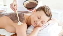Ofrece 90 minutos placenteros donde relajarse totalmente y dejarse aconsejar por las manos de profesionales en belleza y estética