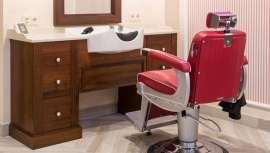 Amabilia, firma dedicada a la decoración y equipamiento de peluquerías, distribuye este tocador lavacabezas, de la marca Takara Belmont, de aire vintage