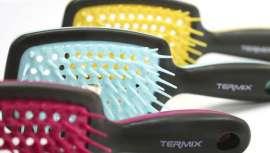 As novas escovas de Térmix apresentam-se em cores chamativas e num atrativo expositor. O seu ponto forte é que evitam os incómodos puxões graças aos seus arames de caucho ultra flexíveis