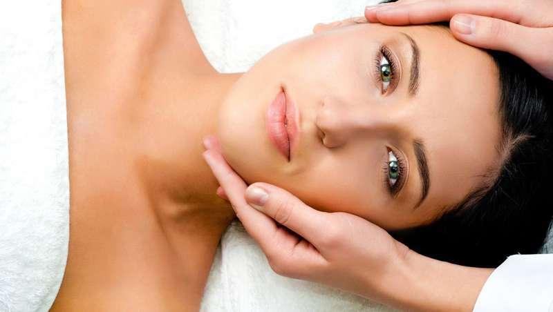 Um lifting manual para ter uma pele renovada