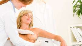 La elevación de senos es una de las cirugías a las que más recurren las mujeres para conseguir un aspecto más firme, natural y rejuvenecido de las mamas