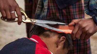 La barbería aleja a los jóvenes de la delincuencia en Perú