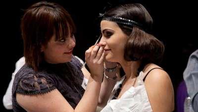 La estética Dark Girls y  80'S Tribus Urbanas, los temas de los Campeonatos de Maquillaje de Salón Look