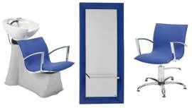 Cuatro sillones con brazos cromados, cuatro tocadores y dos lavacabezas a un precio muy interesante