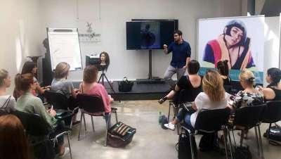 Jesús Romero lideró el seminario Getting trained in Paris de Intercoiffure Mondial