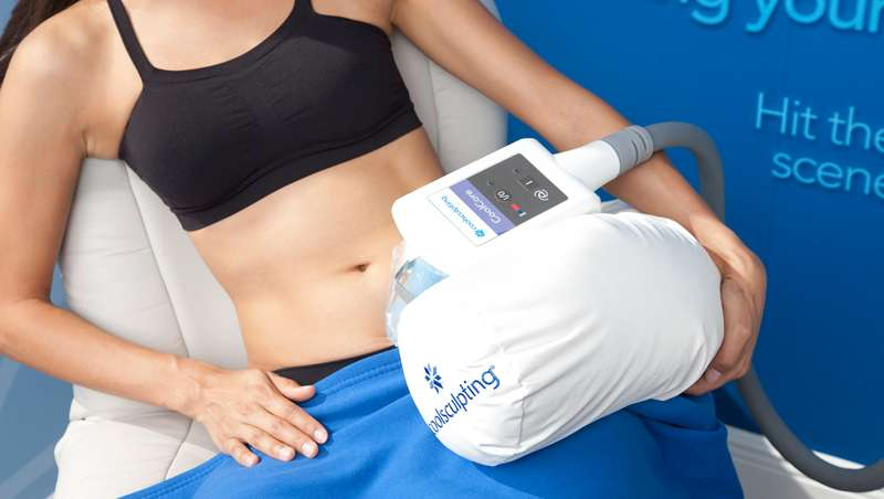 Eliminar la grasa troncular del abdomen y flancos con Coach Sculpting Plan