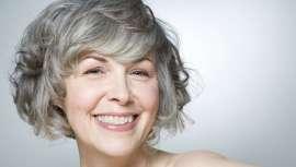 Mujeres como Glenn Close, Helen Mirren, Meryl Streep o Judi Dench son vivo ejemplo de cómo el cuidado de sus cejas y pestañas las embellece. Triunfa el diseño de cejas y las extensiones de pestañas