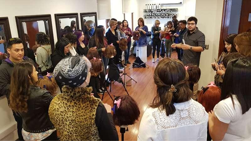 Jesús Romero da a conocer las nuevas tijeras Exthand en Chile