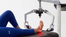Con otra aprobación más, la del tratamiento del dolor lumbar crónico, Erchonia FX 635 se convierte en un referente, y en un aparato imprescindible y muy rentable en los centros especializados en fisioterapia o aquellos que quieran serlo