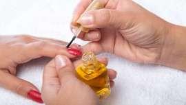 Te descubrimos cómo confeccionar los esmaltados y efectos para las uñas que marcan la pauta esta temporada
