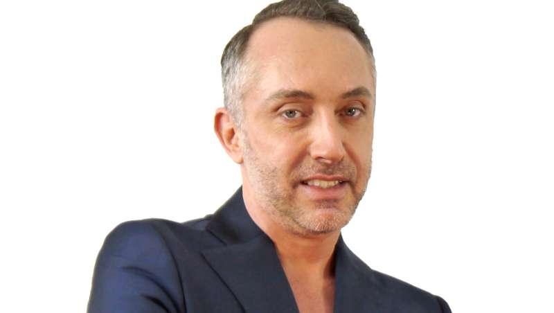 Mario Gisbert: 'La micropigmentación se está tecnificando y complementando cada vez más'