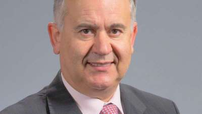 Dr. Chamosa: 'El paciente de cirugía estética no debería realizar un consumo irracional e indiscriminado de la misma'