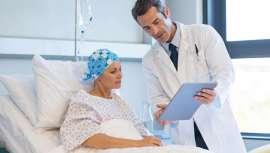 Muchos son los movimientos y acciones cuyo objetivo es que los pacientes oncológicos se sientan mejor a través de la belleza. La medicina estética, en este caso, es uno de sus más crecientes aliados, trabajando en consenso con los oncólogos