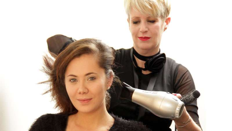 8 peinados de fiesta, o cómo ser el peluquero más influyente entre tus clientas esta Navidad