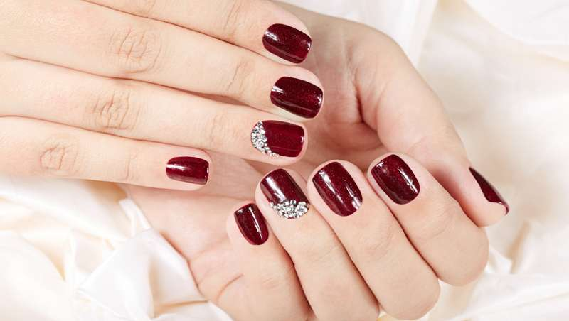 Nail Strass, las uñas con strass o piedras Swarovski que desbancan a la manicura tradicional