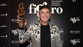 Peluquero Español del Año, con el Fígaro en la mano, en realidad dos, el primero lo conseguía en 2014 en categoría Vanguardia, Manuel confiesa, de tú a tú:
