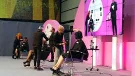 El certamen profesional invita a batir el récord de cortar el pelo durante 20 minutos por parte de profesionales y estudiantes de peluquería
