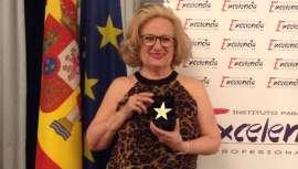 El Instituto para la Excelencia Profesional ha hecho entrega del premio a la fundadora de Cazcarra Image Group, Mari Carmen Cazcarra, junto a otros profesionales de prestigio