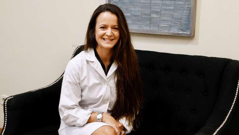 Dra. Ainhoa Placer: 'El término miniabdominoplastia le da menos miedo al paciente'