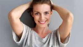 El tratamiento miraDry destruye las glándulas sudoríparas y odoríferas de la axila de forma permanente, poniendo fin al sudor excesivo y el mal olor. Sencillo, rápido, fácil y cómodo para el paciente y el doctor