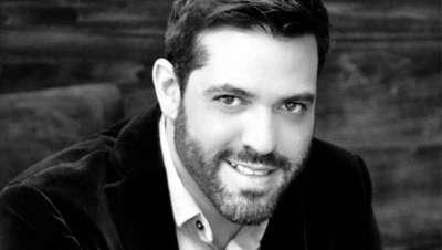Iván Rodríguez, novo embaixador de cabeleireiro para a empresa Biosilk