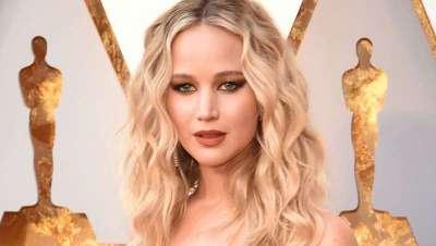 Jennifer Lawrence da la campanada y le pone los rizos a los Oscar