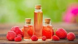 Destaca por contener vitaminas A y C, hecho que aporta gran luminosidad a la piel. Mientras que los ácidos grasos omega 3 y 6 confieren acciones antioxidantes e hidratantes a la piel