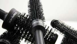 El nuevo Profesional Black ha llegado para quedarse. Fusión del cepillo Termix con la tecnología del C·Ramic para un cabello ultrabrillante y un styling perfecto
