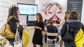 En España  operan 105 centrales especializadas en belleza y estética con 4.286 establecimientos, y una facturación de 710,736 millones de euros