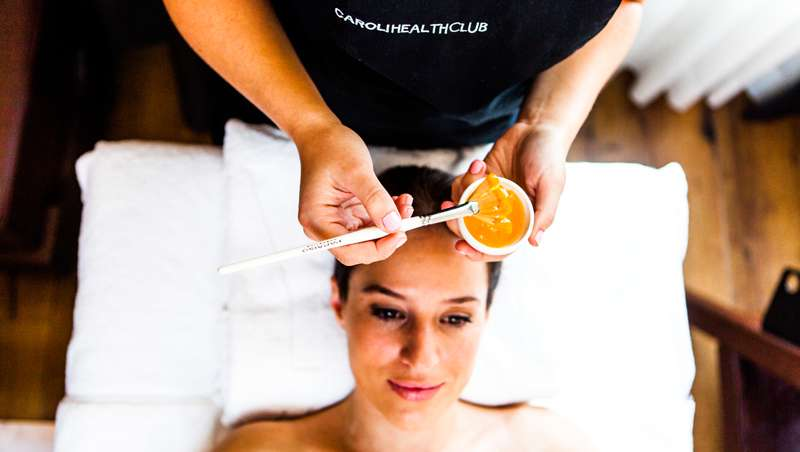 Tratamiento Flower Power para rostro y cuerpo de Caroli Health Club