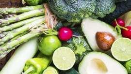 Una correcta nutrición a lo largo de todo el año y por supuesto durante el verano, conseguirá aumentar las defensas y barrera de la piel contra los efectos dañinos del sol. Así lo afirman las investigaciones y expertos nutricionistas