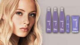 A linha Blonde de NAK, desenhada especialmente para cabelos loiros, brancos ou com madeixas, sabe perfeitamente como neutralizar os tons amarelos não desejados e criar a tonalidade perfeita