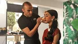 La línea de cosmética y maquillaje profesional de Cazcarra Image Group ha impartido una jornada intensiva enfocada a mostrar las nuevas técnicas y tendencias de maquillaje en una de las zonas más conocidas de la ciudad