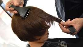 La hoja curva de esta máquina de corte permite un acabado preciso y seguro en cualquier look de cabello que se desee realizar, además de facilitar al máximo el trabajo del estilista