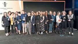 Los Fifi Awards distinguem os melhores perfumes lançados no ano de 2017, eleitos por quatro jurados diferentes. Os especialistas selecionaram o Y de Yves Saint-Laurent, entre os masculinos, e Twilly  de Hermès entre os femininos