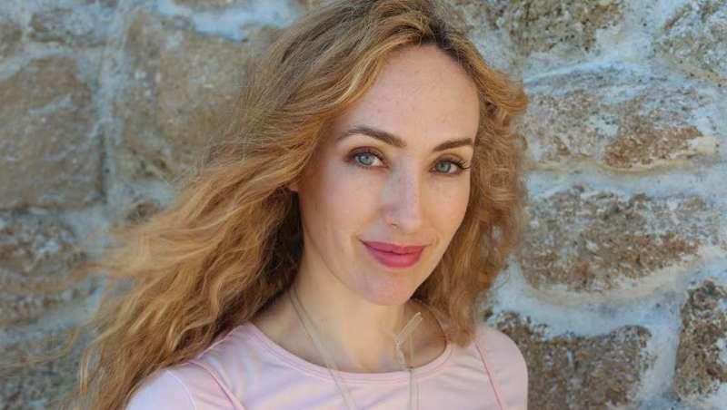 Ginebra Sat Karam, la belleza concebida como el viaje al centro del alma