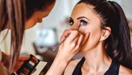 Los profesionales recomiendan cómo maquillarse en verano, de qué manera sustituir los que ya solemos tener durante todo el año y cómo cuidarlo y mantenerlo cuando hace más calor