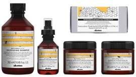 A nova linha de fórmulas da gama Naturaltech Nourishing garante a reestruturação dos cabelos e o seu máximo esplendor, potencializado por fragrâncias e texturas únicas e o máximo compromisso de respeito pelo planeta