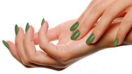 No Dia Internacional da Luta Contra o Linfoma, em 15 de setembro, Masglo tira as unhas e pinta-as de verde. Uma iniciativa que visa ser viral para aumentar a conscientização sobre a doação necessária de medula óssea