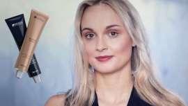 Novos tons de uma riqueza cromática especial em torno do cabelo loiro que se somam a técnicas de vanguarda e intuitivas para criar efeitos e loiros da moda, assim e o último de Blonde Expert de Indola