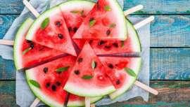 Es uno de los alimentos típicos del verano, refrescante, jugosa y divertida. La sandía ha celebrado su día y es que lo merece, fuente de belleza para la piel y salud para el organismo, absolutamente recomendada