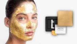 Esta mascarilla logra un efecto corrector antiarrugas con láminas de oro que proporcionan a la piel un efecto lifting y un resplandor inmediato