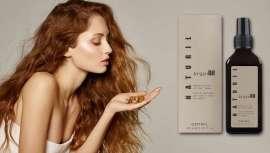 Sua fórmula é enriquecida com óleos orgânicos certificados de argão e linho que ajudam a restaurar a hidratação adequada do cabelo.