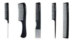 A la hora de peinar el cabello es imprescindible usar el peine adecuado según el estilismo que se pretende conseguir. Termix ofrece una gama de peines de carbono que cubren todas las necesidades en términos de styling