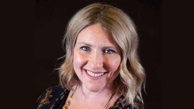 Pravana promociona a Marcie Owsinski como nueva gerente de educación