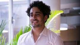 Emprendedor por naturaleza, a Rafael Freitas, con salón en el Born de Barcelona, URB16, le ha guiado siempre un afán revolucionario e innovador. Ahora presenta MÄQ, una herramienta que está transformando las bases de la peluquería