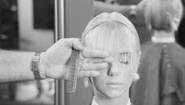 Não vais querer deixar a nova Academia Wella, na qual aperfeiçoarás as tuas técnicas de penteado, corte e cor com os primeiros e mais prestigiados artistas de cabelo, um a um e de mãos dadas. Um novo conceito revolucionário ao teu alcance
