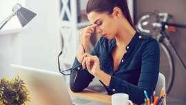 La sequedad, el enrojecimiento, las arrugas, el acné y la falta de tono son los síntomas principales del estrés en la epidermis