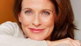 La fórmula Antiaging Pro de TweeG Nutritional Supplement, suplementación de colágeno, que reduce la ingesta a una sola cápsula al día, asegura múltiples beneficios de salud y belleza. Complemento ideal a los tratamientos de estética