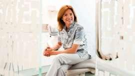 Pionera y reconocida especialista de la odontología, Conchita Curull, al frente de la clínica que lleva su nombre, dirige la consulta al dentista a otro nivel. Belleza y salud de la sonrisa y los avances más destacados al servicio de sus pacientes